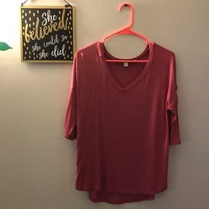 XL Pink Top Very Cute with opening on sleeves 💕